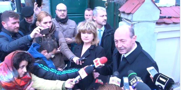 Traian Băsescu a votat pentru Maia Sandu. FOTO: captură privesc.eu