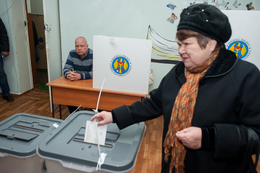 Rezultate referendum Chișinău - înfrângerea socialiștilor: prea puțini participanți