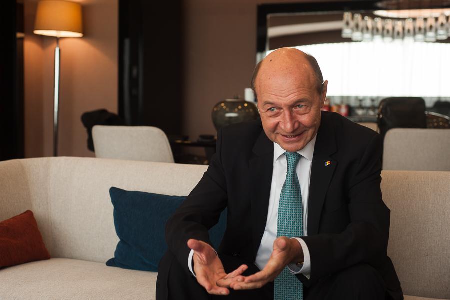 Ce mai face Băsescu la Chișinău după ce judecătorii au menținut anularea cetățeniei moldovenești?