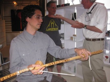 Simon de Aguero playing the Berimbau