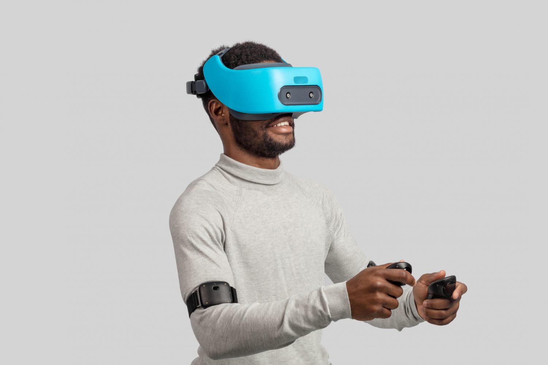 gaming in VR set