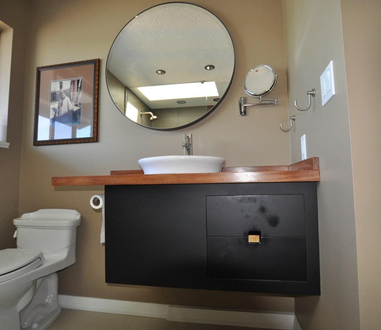 Bathroom: Lindner