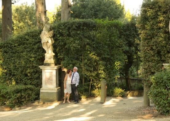 Photoshoot in Boboli Gardens Florence Italy