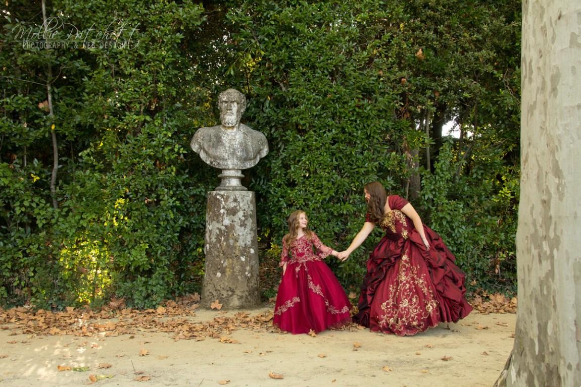 Luxurious family photoshoot in Boboli Gardens
