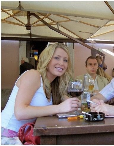 photo of Gretta enjoying the pub culture