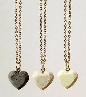 http://www.fallfordiy.com/blog/2014/01/diy-concrete-love-hearts-necklace.html
