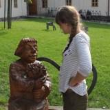 Деревянные статуи в Остравском замке