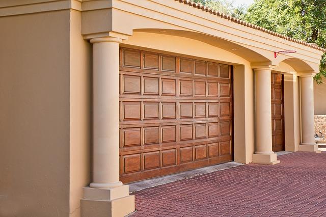 puerta seccional vivienda unifamiliar