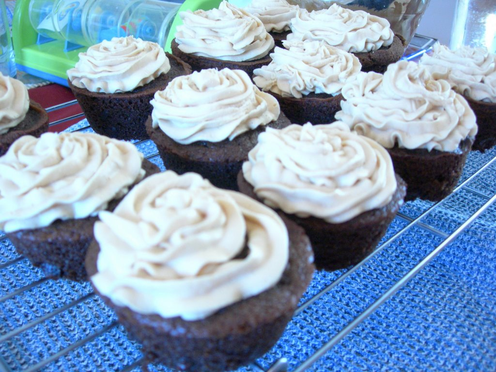 Worthy Of A Double Post: Chocolate Cupcakes With Peanut