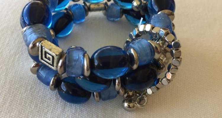 Beaded elasticated bracelet
