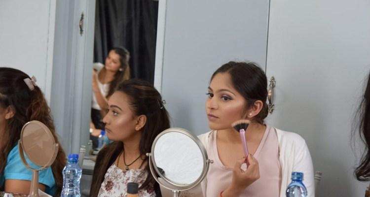 Self application makeup class