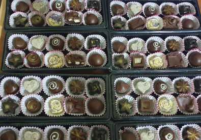 SIMPLY CHOCOLATES