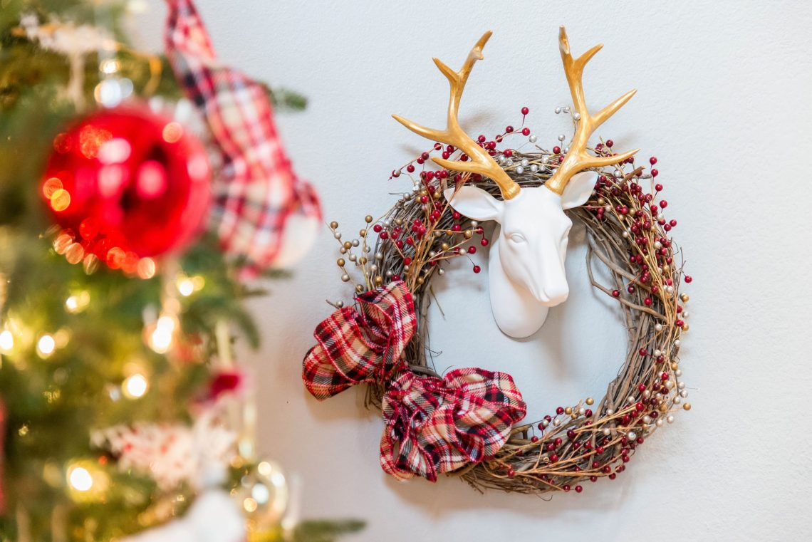 Make This Easy Christmas Wreath