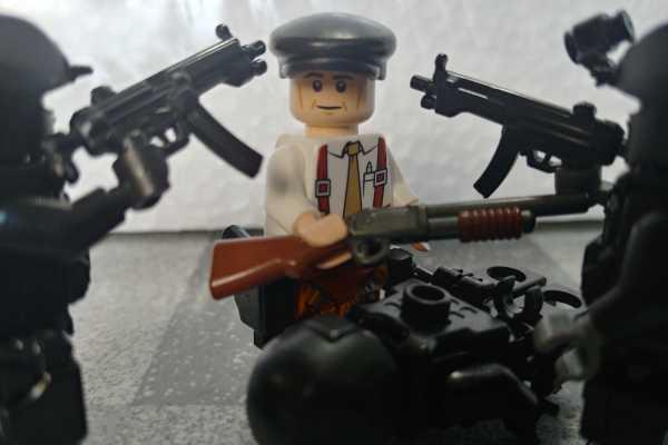 亜人 佐藤 再現 レゴ