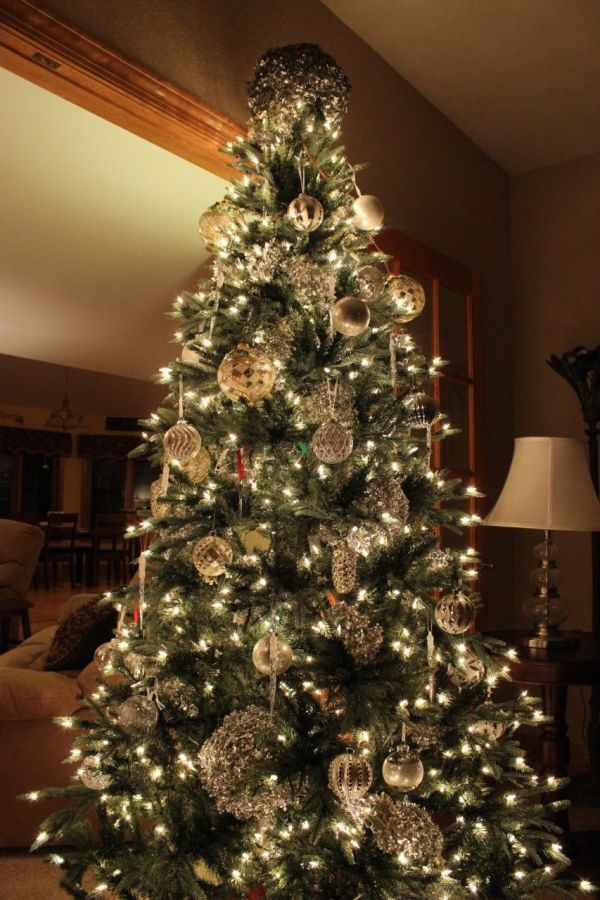 silver and white tree