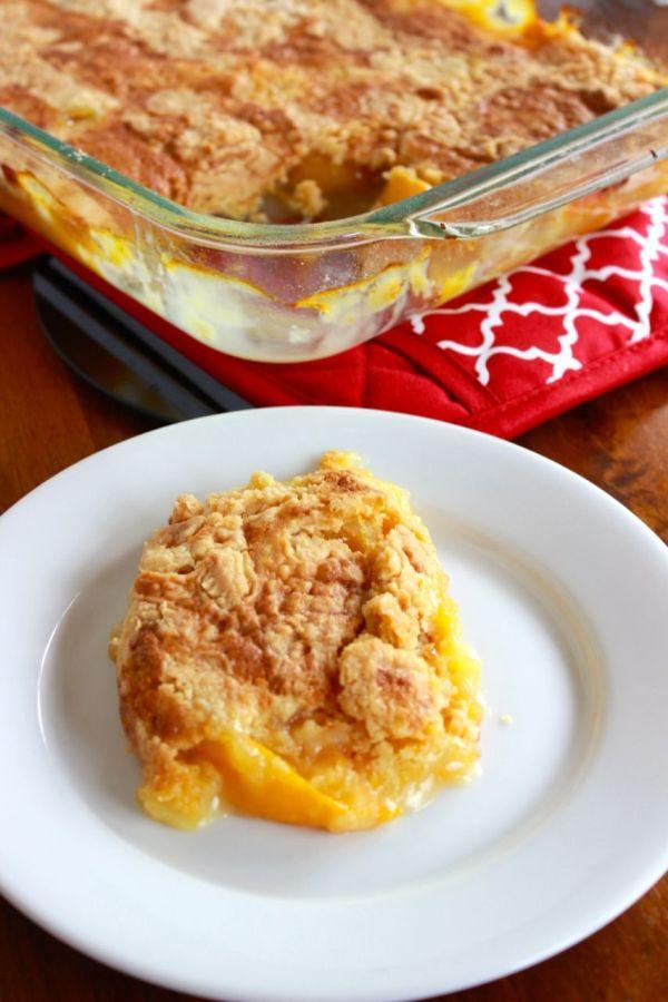 three ingredient peach cobbler