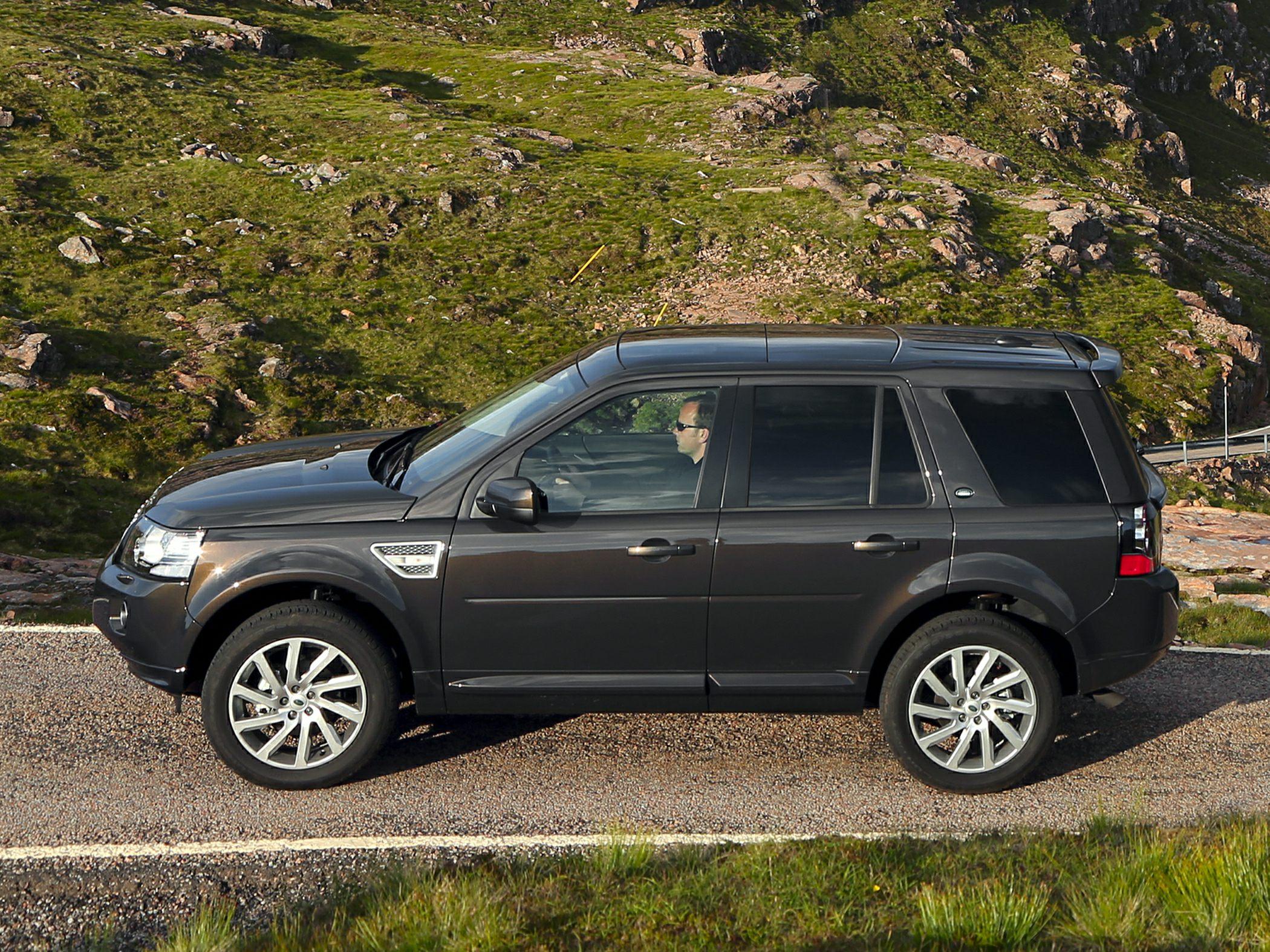 Land Rover LR2 Information and photos MOMENTcar