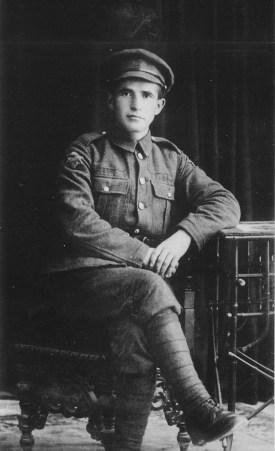 Photograph of David Ben-Gurion (1918).