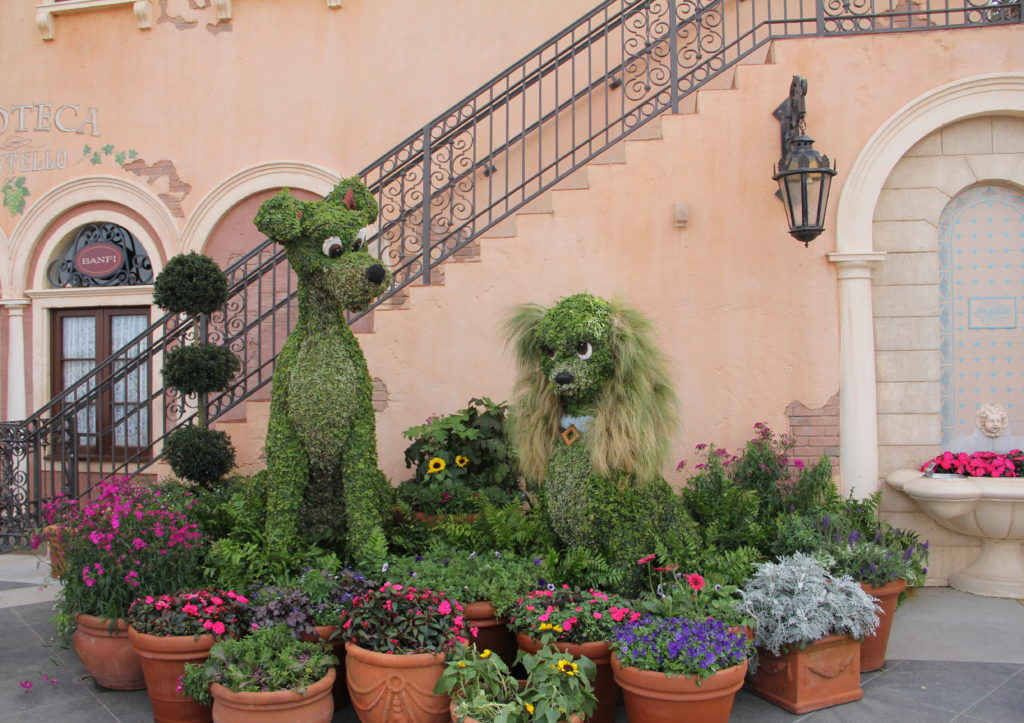 Lady and the Tramp topiary in epcot flower and garden festival