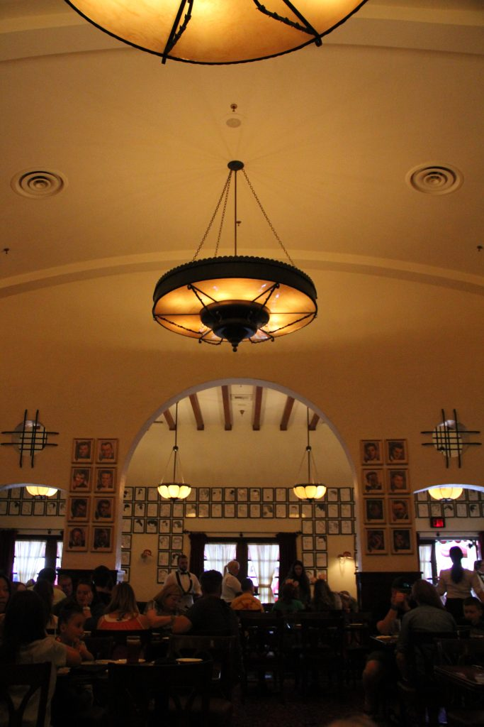 Hollywood Brown Derby dining room