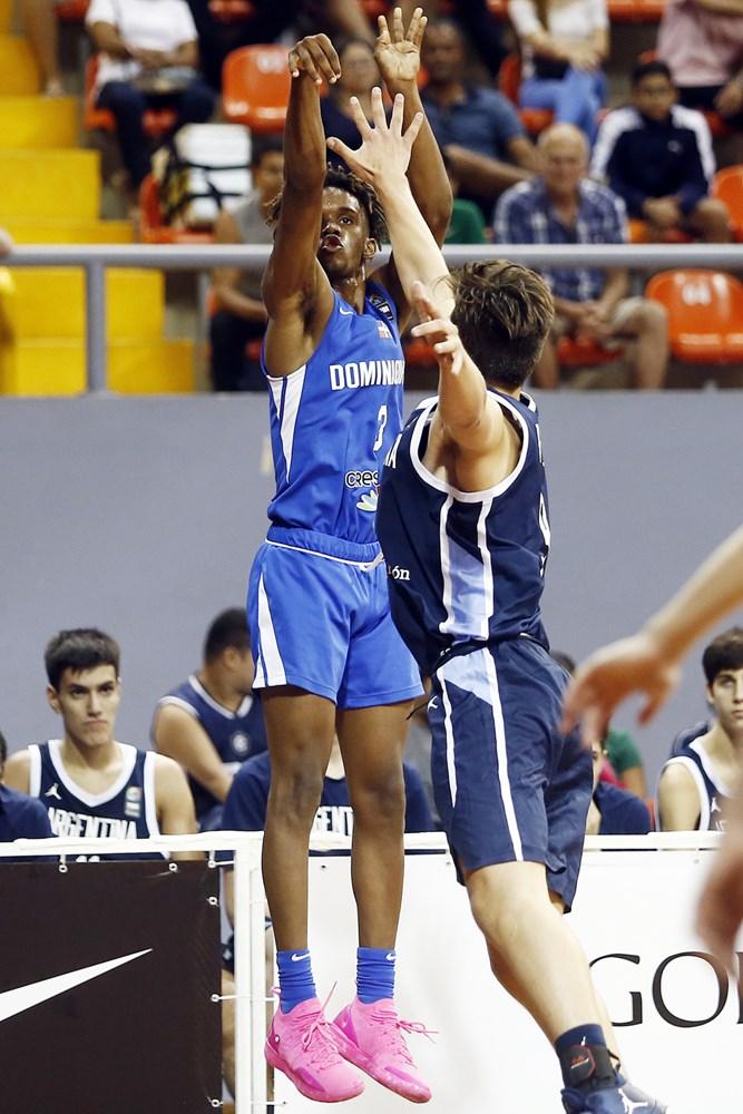 Jean Montero, del equipo U-16 de Republ ica Dominicana que compite en Brasil