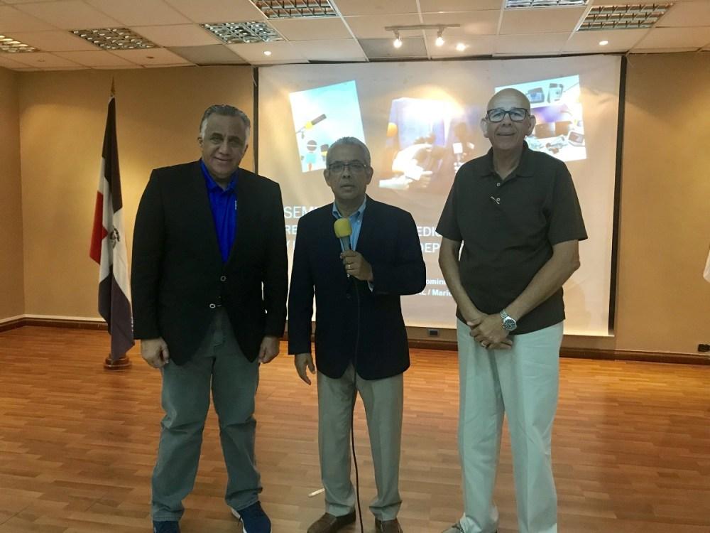 Luisín Mejía, Mario Emilio Guerrero y Nelson Ramírez durante la apertura del Seminario
