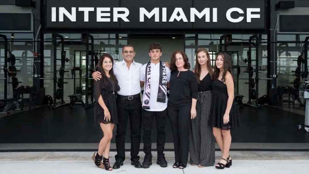 Dominicano Azcona firma con Inter de Miami - Momento Deportivo RD