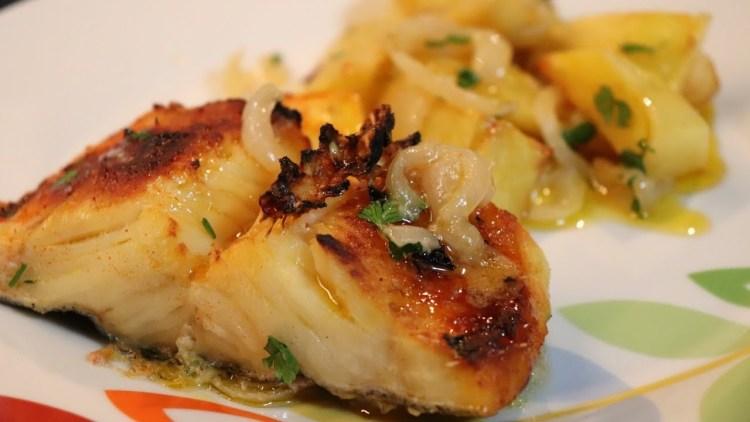 Bacalhau Assado no Forno com Batatas   Receita Nova!