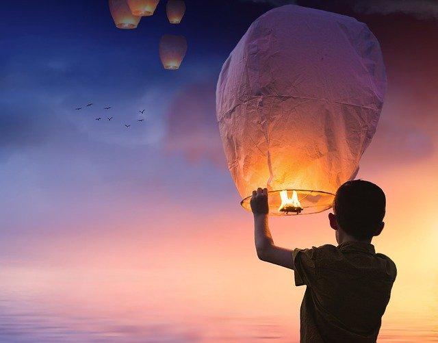 Le lâcher de lanternes (ce qu'il faut savoir)