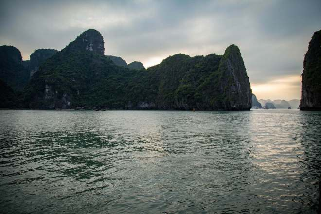 Halong Bay-8-Where the Dragon Descends to the Sea-moments of yugen