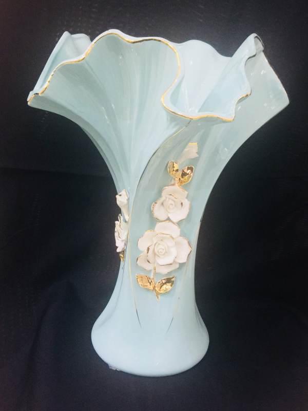 Momentum Ornate Flower Vase 1