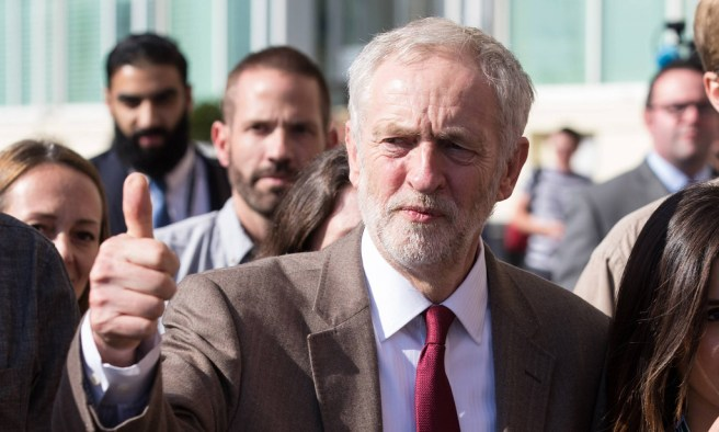 Sept 29 2015 Brighton Sussex UK Brighton UK JEREMY CORBYN gives a thumbs up to the crowd