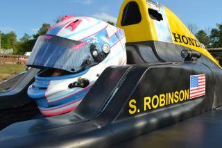 Robinson F4 car photo