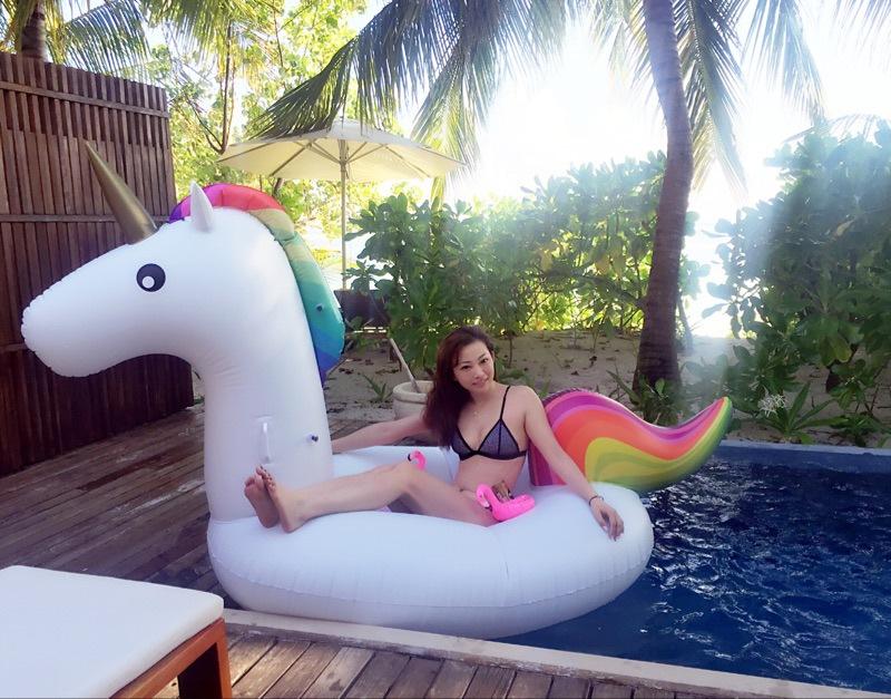 Giant Inflatable Unicorn Pool Float