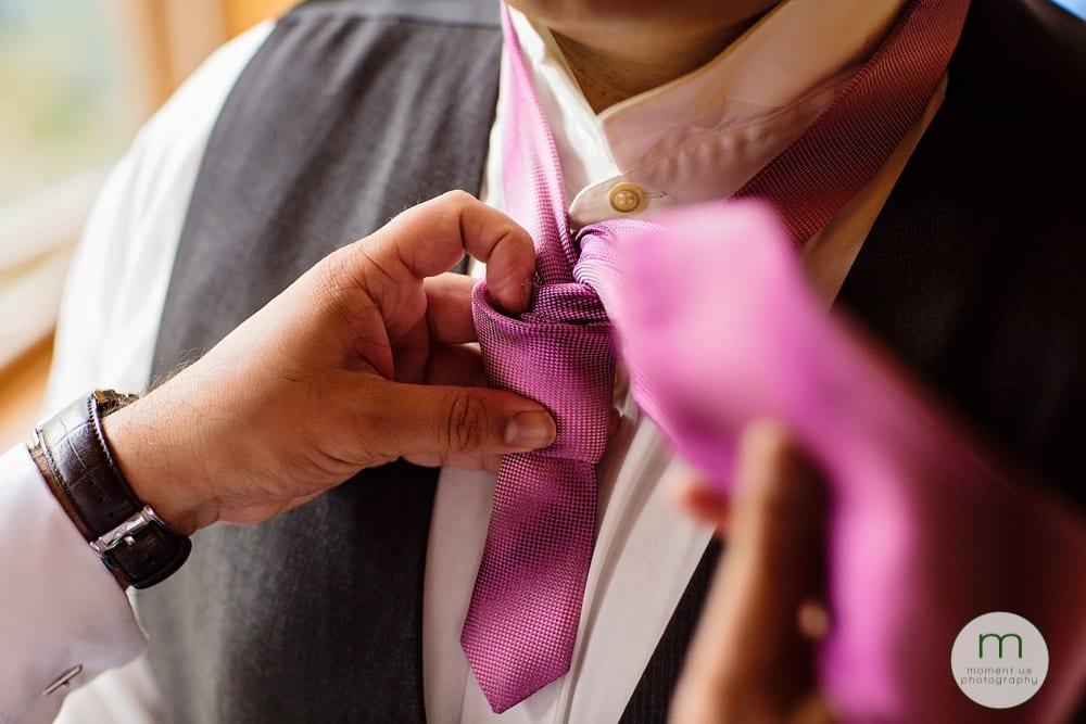 tying tie