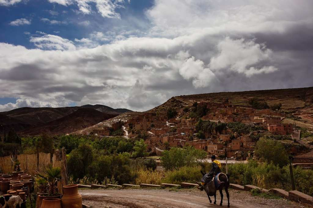 Wedding photographer in Morocco - man on mule near Imlil