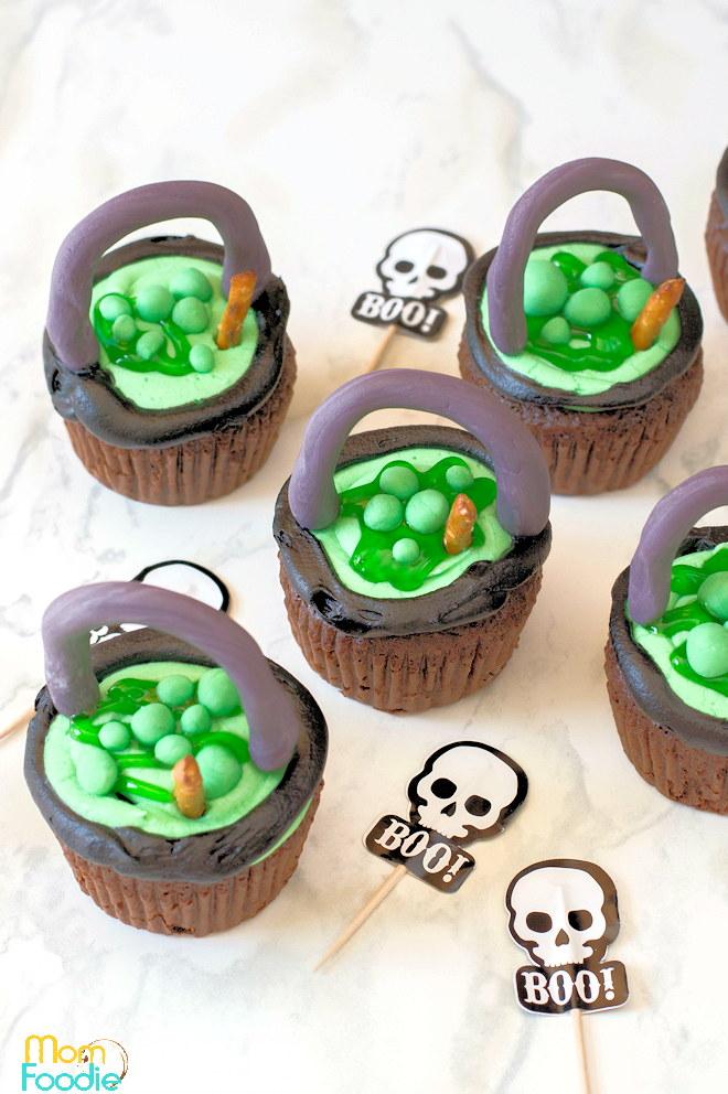 Cauldron Halloween Cupcakes