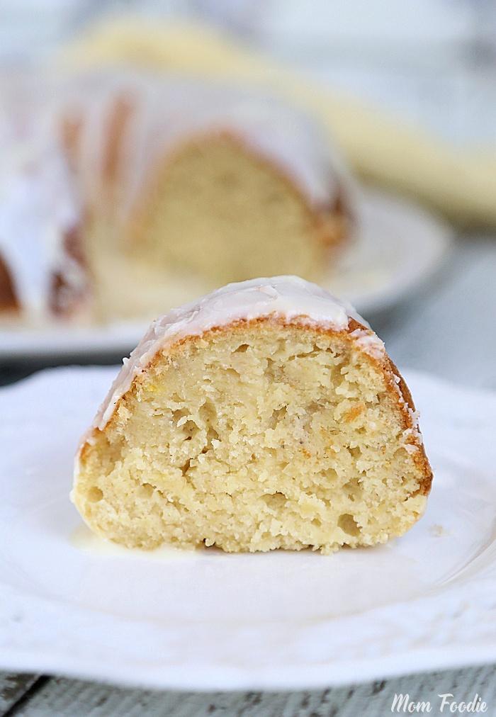 Recipe For Moist Banana Cake Using Sour Cream