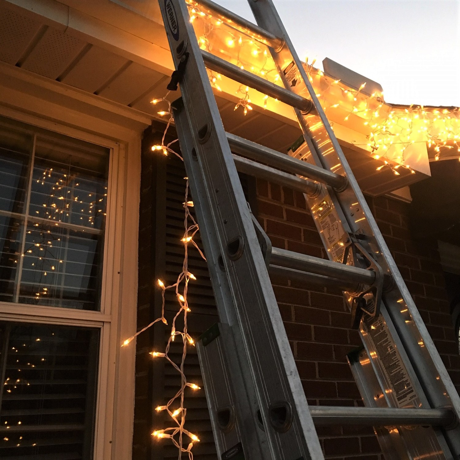 How to Stop Blinking Christmas Lights (Easy Fix)