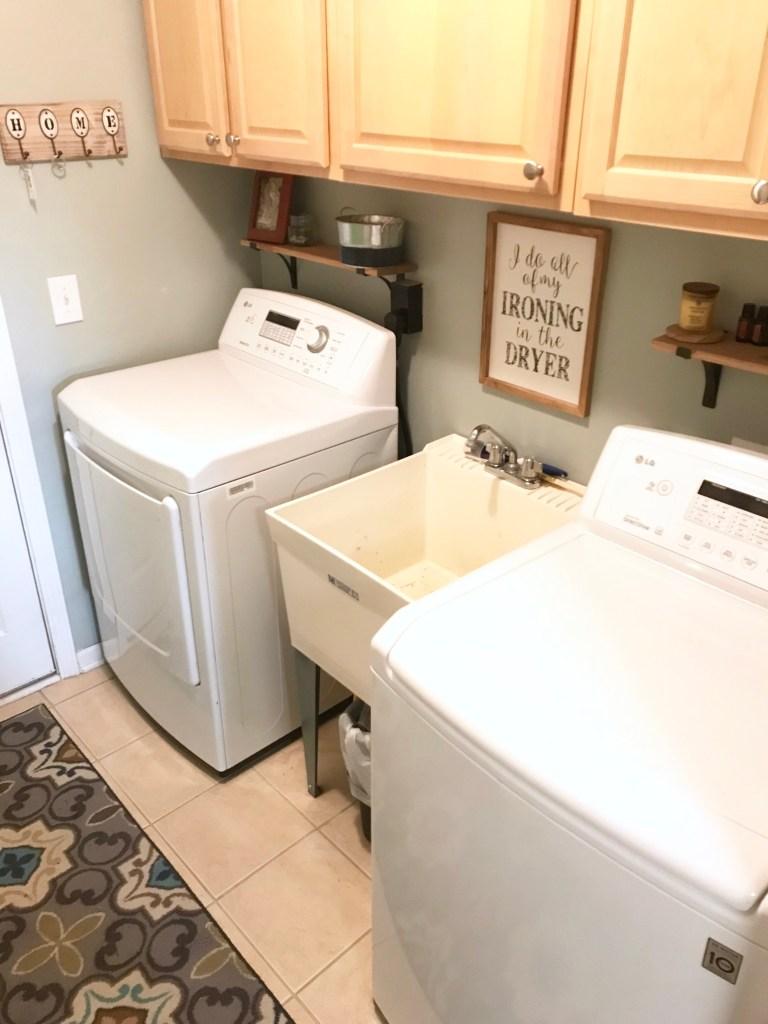 farmhouse decor laundry room