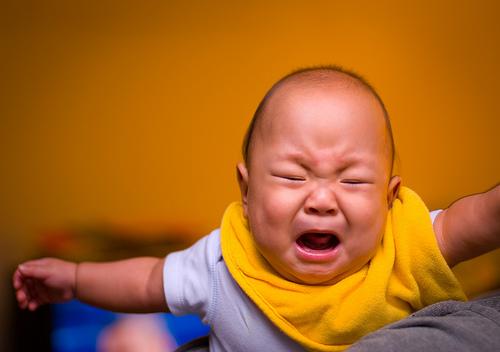 嬰兒夜間啼哭的原因 1
