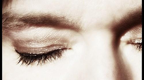 左眼跳財右眼跳災是真的嗎?眼皮一直跳是什麼原因? 1