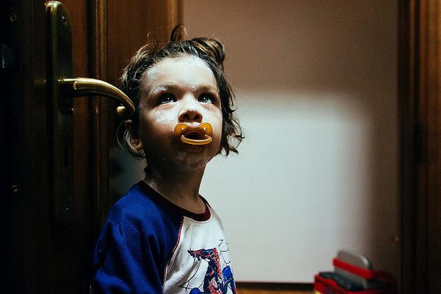 小朋友戒奶嘴的方法