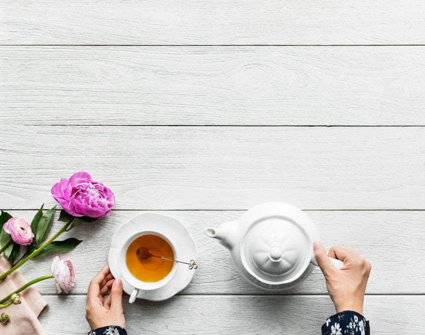 Did you know you can be a morning person? I did not either until I discovered my morning routine. Get up and get going! #morningroutine #motherhood #selfcare