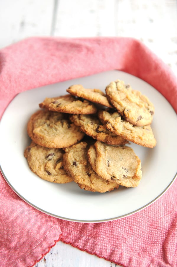 keto chocolate chip cookies recipe with coconut flour