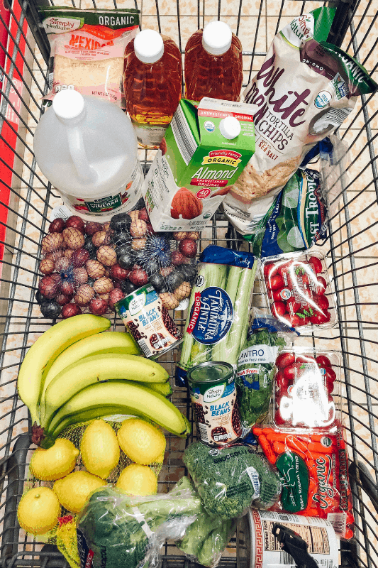 Looking to learn how to eat healthy and spend less? healthy Lifestyle Blogger Momma Fit lyndsey is sharing her February meal plan to help you keep your grocery spending in control
