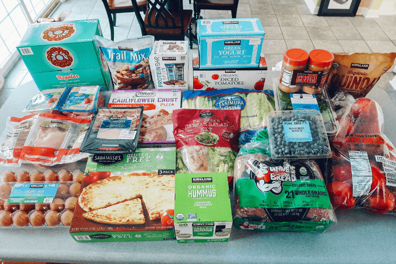Looking to learn how to eat healthy and spend less at Costco? healthy Lifestyle Blogger Momma Fit lyndsey is sharing her February meal plan to help you keep your grocery spending in control