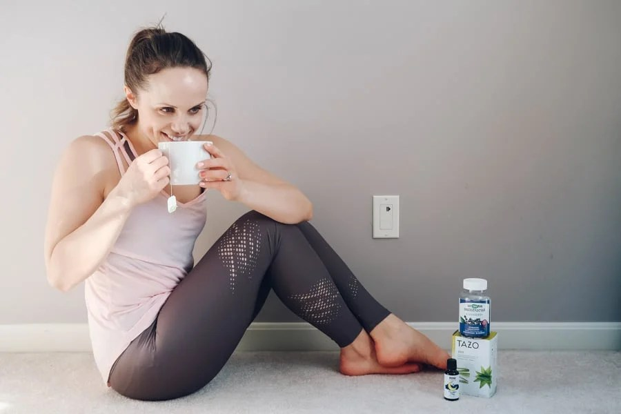 Looking to reduce stress naturally? healthy Lifestyle Blogger Momma Fit lyndsey is sharing her simple routine for how to reduce stress with natural products for reducing stress