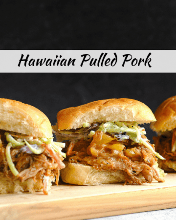 Looking for pulled pork crock pot recipes for easy weeknight dinners this summer? Healthy lifestyle blogger Momma Fit Lyndsey shares her favorite healthy pulled pork recipe hawaiian pulled pork