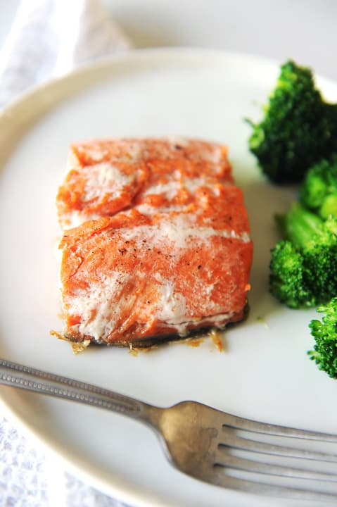 Whole30 salmon is easy to make!  This is a delicious Whole30, Paleo, Keto and low carb recipe perfect for easy weeknight dinners.